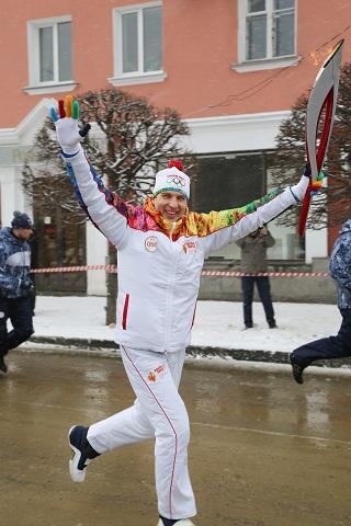 Управляющий ВТБ в СКФО Виктор Кузьменко  принял участие в Эстафете Олимпийского огня «Сочи 2014»