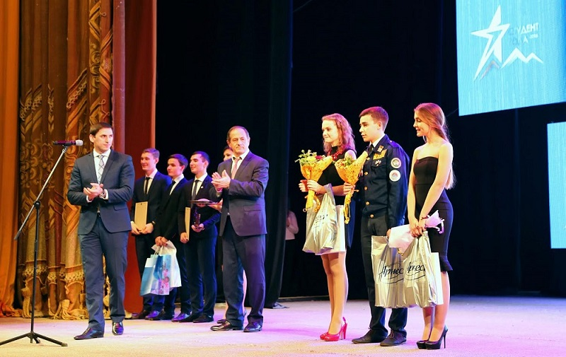 Лучшие студенты России получили подарки от ВТБ